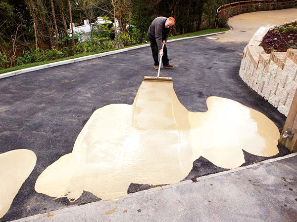 Learn How to Lay Resin Driveways With Resin Drives Trade